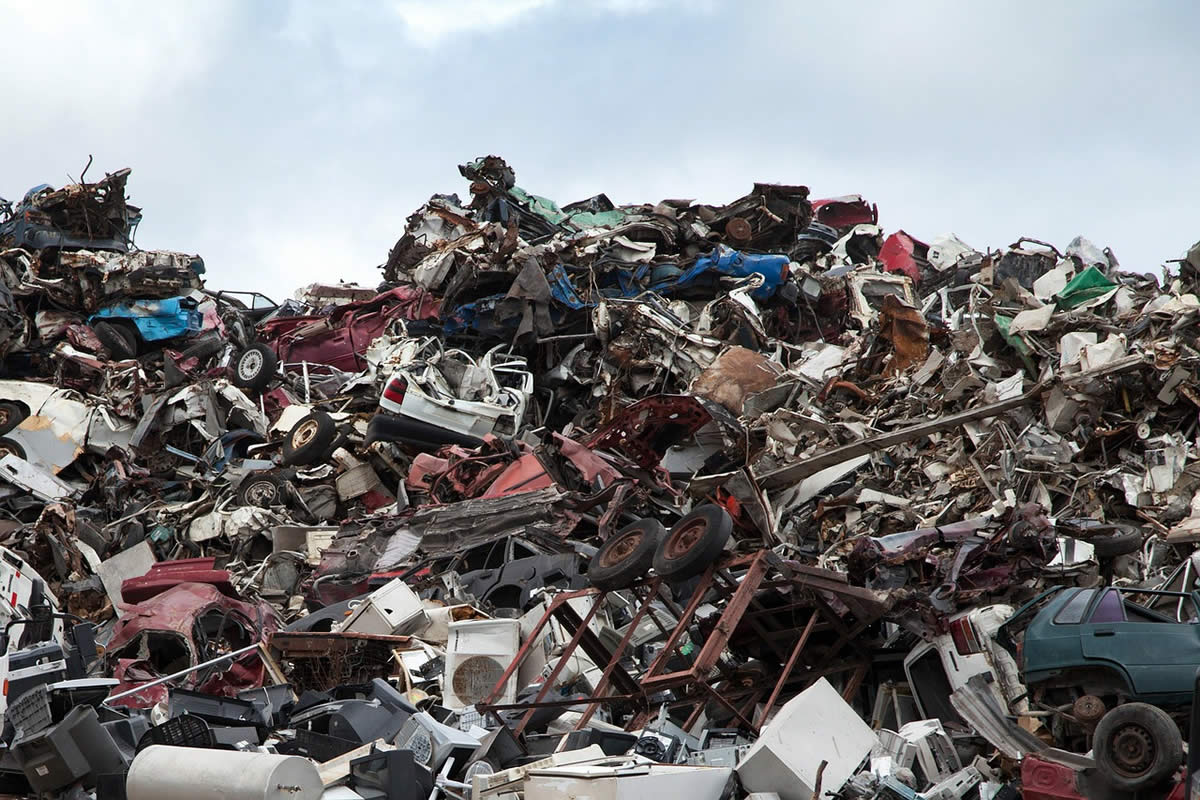 7 Harmful Things You Should Never Dispose in A Dumpster
