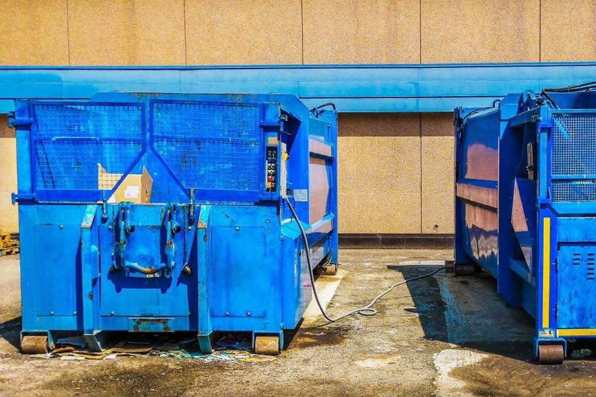 Four Reasons Why You Need a Roll Off Dumpster Rental in Orlando