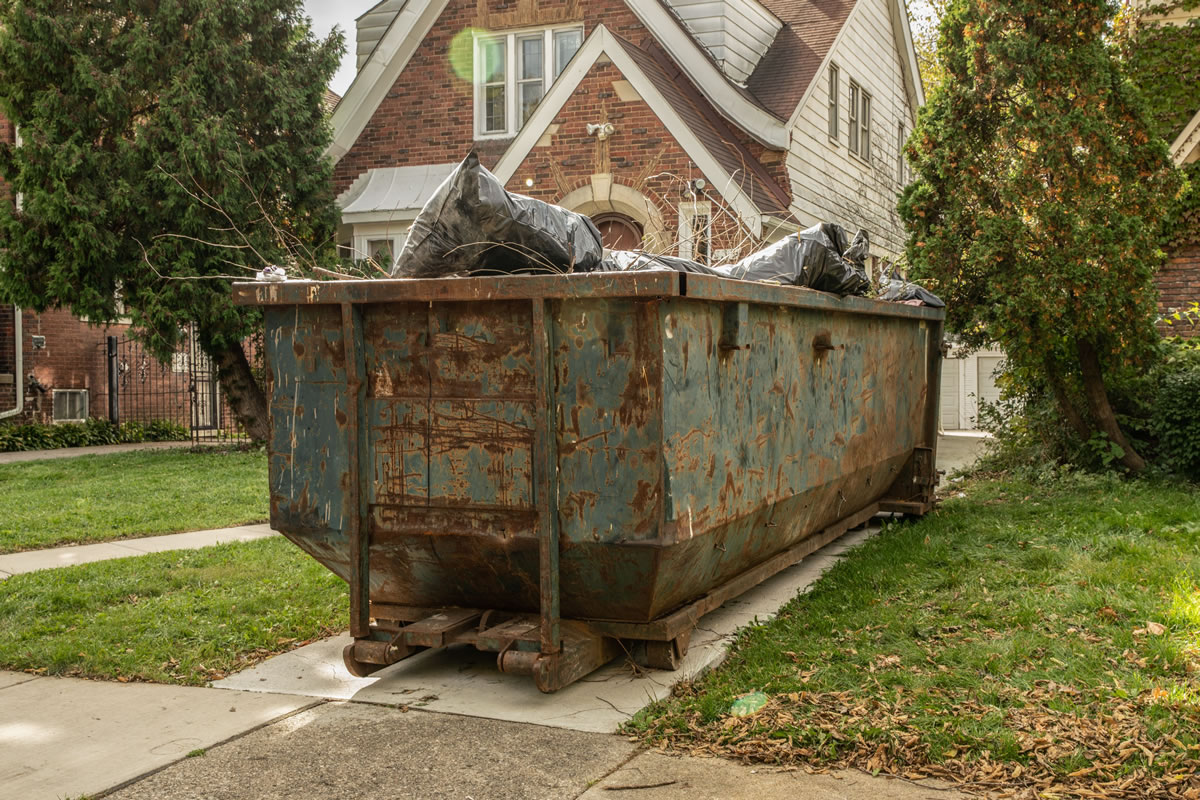 Five Tips to Follow When Renting a Roll-Off Container